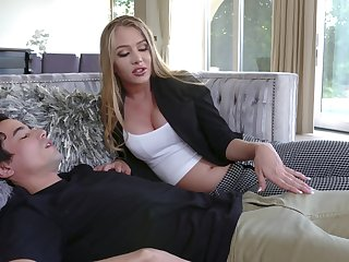 19 yo virgin boy enjoys meeting his young stepmom Jeanie Marie Sullivan