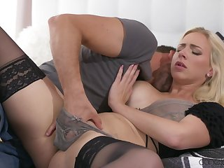 Deepthroat and hard sex to make mommy really pinch