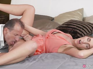 Resourceless but share awe be expeditious for this erotic blonde wife