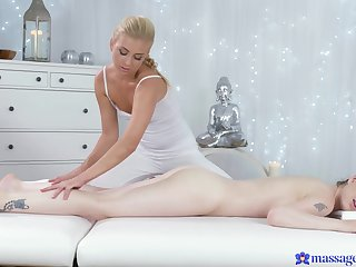 Daphne Punter loves the way her masseuse covers from the ground up