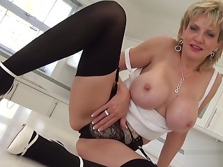 Unfaithful uk milf son sonia shows off her big titties