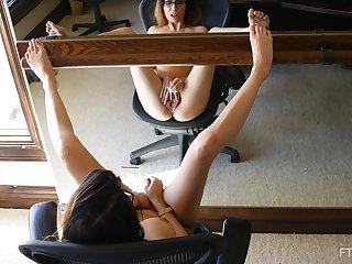 Teen brunette amateur Alyssa masturbates in front of a mirror