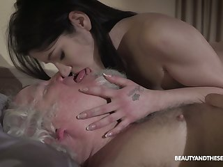Kinky geezer fucks seductive brunette Emily Brix and licks her yummy pussy