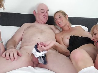 Humping Grannies - mature