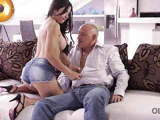 Devoted creature Mira has unexpected anal intercourse with old beggar